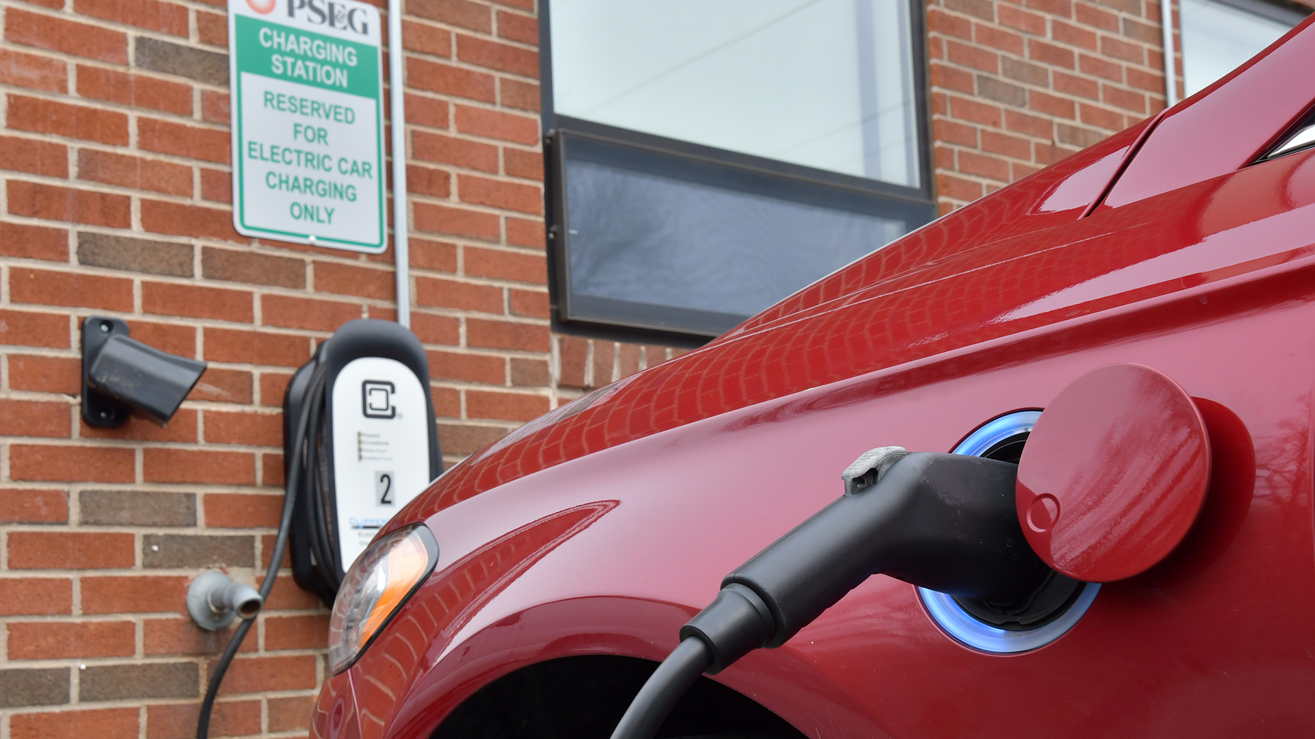 Rider's electric vehicle charging station