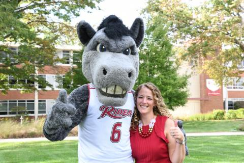 Leanna Fenneberg and the Bronc